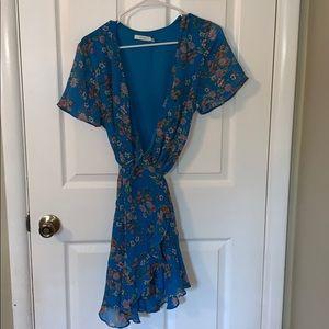 Blue floral wrap dress 🦋
